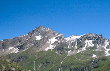 Vrcholek Kitzsteinhornu v létě