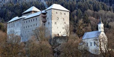 Hrad Kaprun v Rakousku